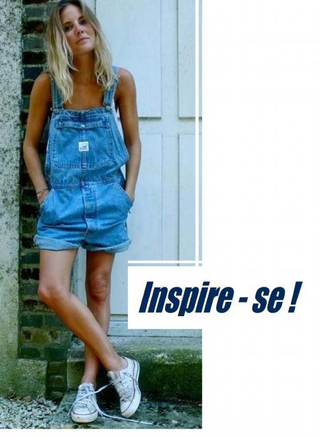 Modelo usa macaquinho jeans azul, blusa de alcinha branca e tenis branco.