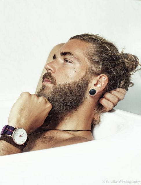 barba lenhador com coque