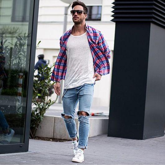 calça cropped masculina jeans rasgada no joelho ideias