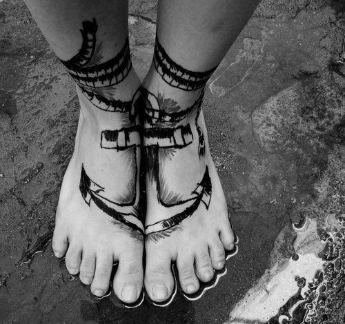 tatuagem de ancora pé