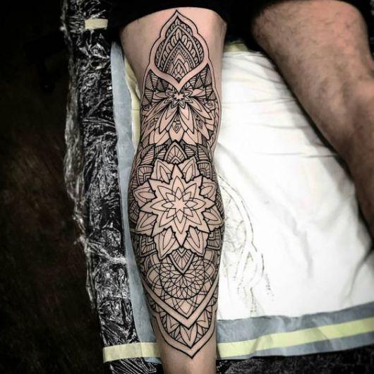 50 inspira es fant sticas de tatuagem masculina na perna. Black Bedroom Furniture Sets. Home Design Ideas