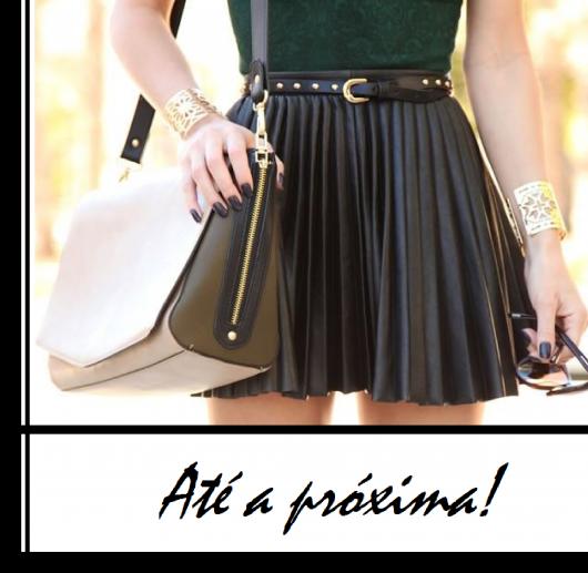 ilustração final do post com modelo de saia de pregas preta, blusa verde e bolsa branca.