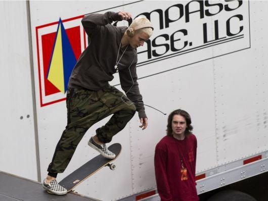 Calça camuflada masculina skate