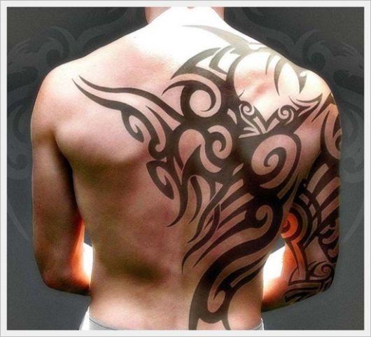 Super Tatuagem Tribal Masculina: Significados, preço e 90 ideias incríveis ZF98