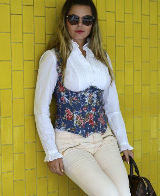 corselet com estampa floral