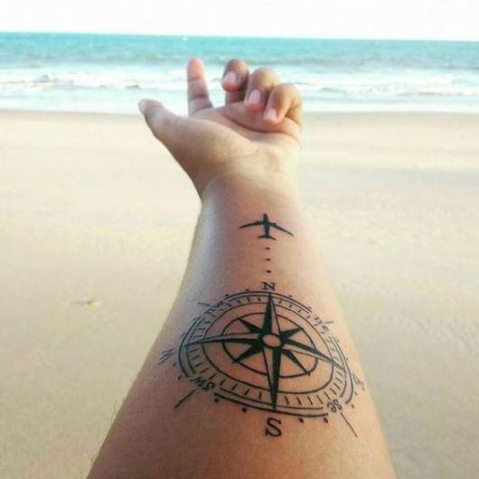 Tatuagem De Avião: Significado + 30 Ótimas Ideias Para Se