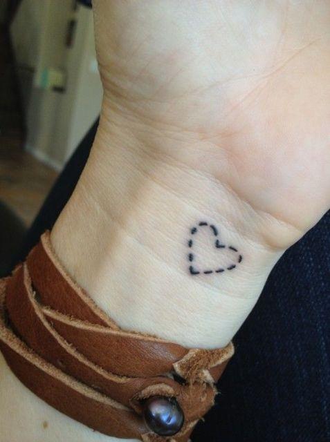 tatuagem pontialhada