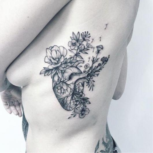 tatuagem coração humano