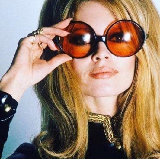 Óculos Redondo – Quem Pode Usar   61 Modelos de Cair o Queixo! 824fcd9208