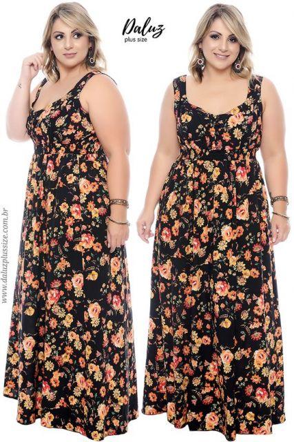 Vestido floral, com fundo preto.