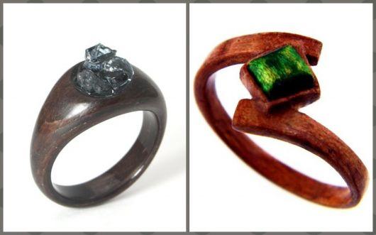 Anéis de madeira com pedra.