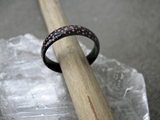 anel de coco com pingos rosas