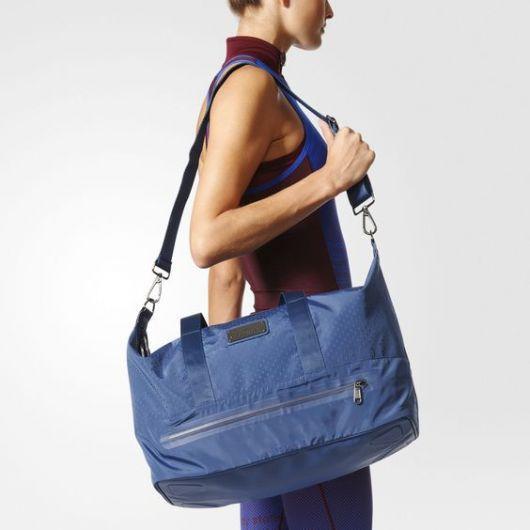 Bolsa azul adidas.