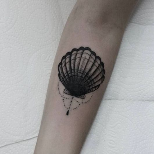 tatuagem de concha com sombreado