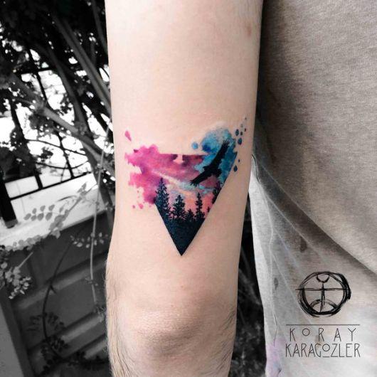 tatuagem de triângulo feminina