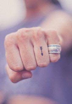 tatuagem flecha masculina