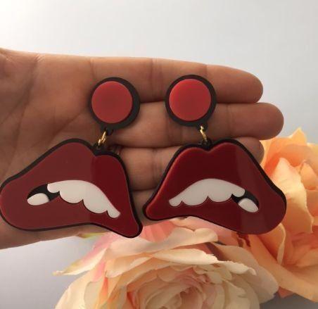 boca vermelha acrílico