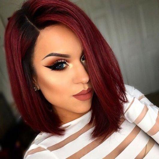 cabelo chanel com raiz escura