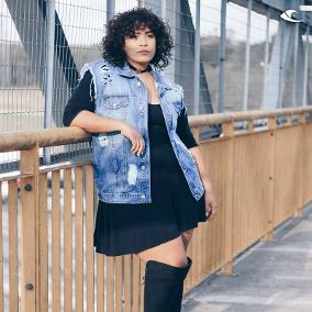 look plus size com bota