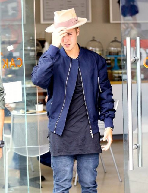 jaqueta bomber do Bieber
