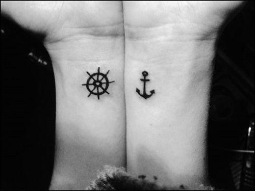 tatuagem pulso amigas