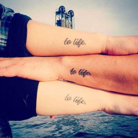 tatuagem masculina escrita