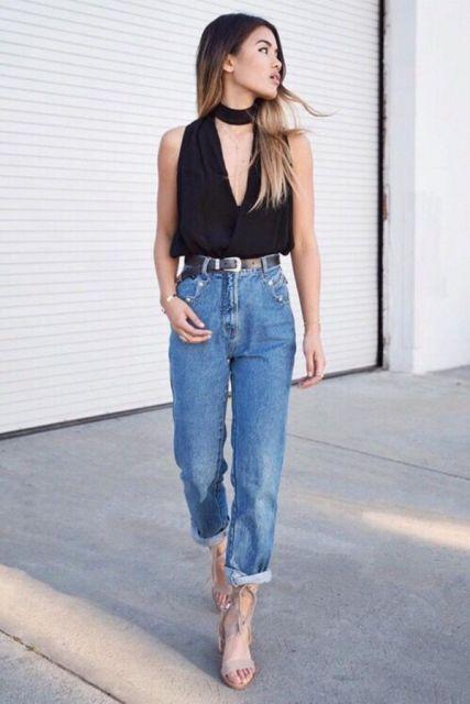 body com decote com calça jeans