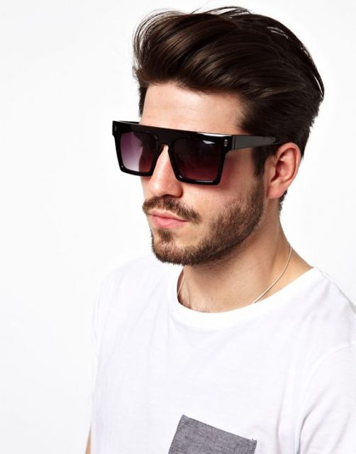 e8d5f4849d3a8 Os modelos de óculos quadrado preto são os mais tradicionais entre o  público masculino. Impossível não curtir a variedade e flexibilidade desse  conceito.