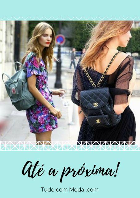 Modelos usam mochila de couro nas cores preta e azul.