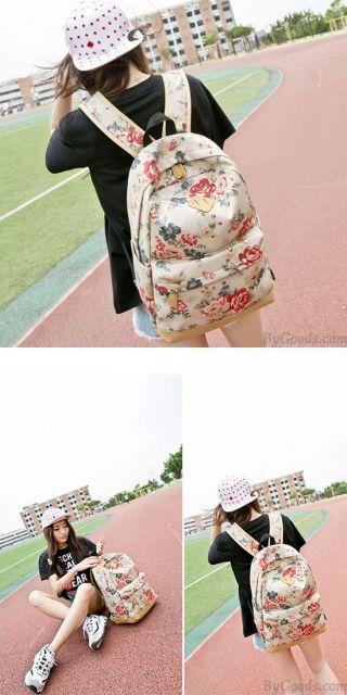 mochila com estampa floral