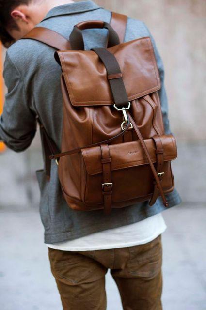 mochila masculina em couro
