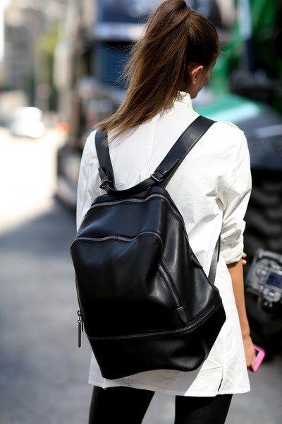 mochila em couro preto