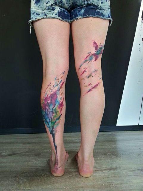 tatuagem aquarela perna