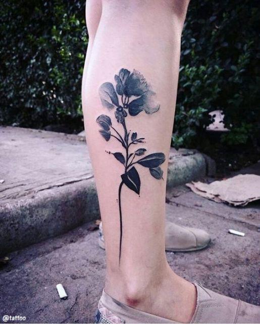 tatuagem flor sombreada