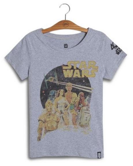 Camiseta cinza com estampa do filme Star Wars.