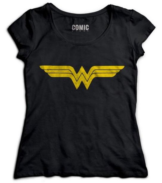 Camiseta preta com símbolo da Mulher Maravilha.