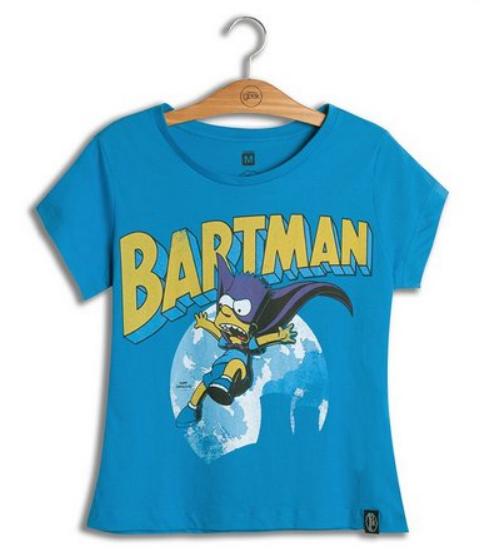 Camiseta com referências do Batman e dos Simpsons.