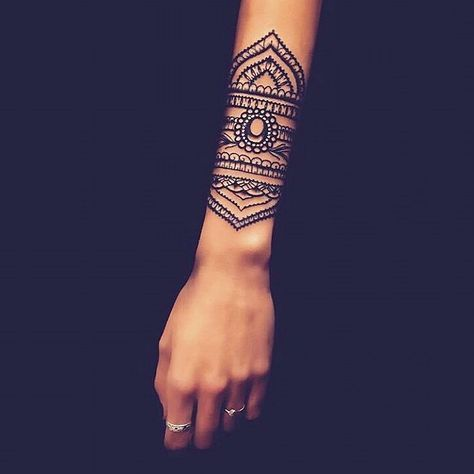 Tatuagem indiana grande.