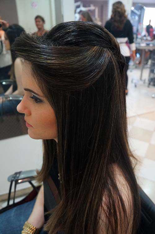 Penteado em cabelo liso.