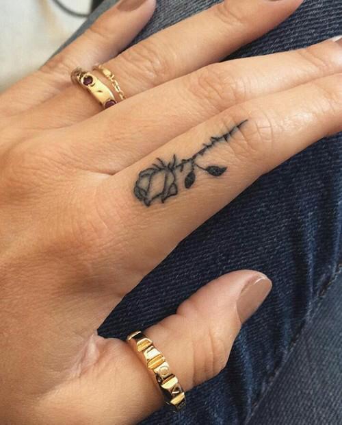 tatuagem dedo indicador