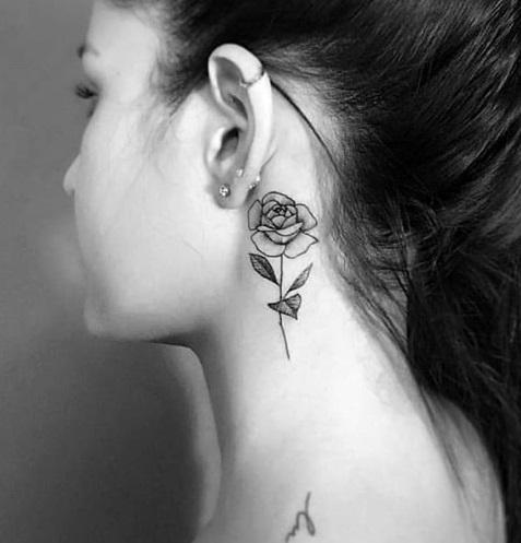 tatuagem feminina pescoço