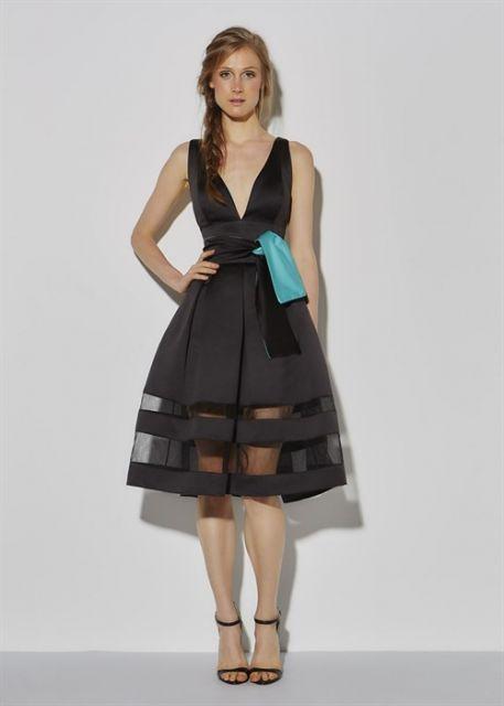 Modelo usa vestido rodado de tule.