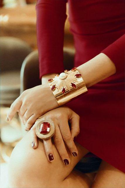 bracelete com pedras preciosas