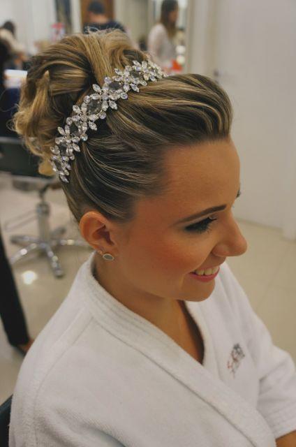 coque com topete penteado para casamento