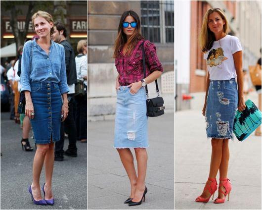 modelos usam saia midi jeans com sapatos de salto e camiseta.