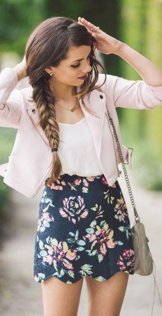short florido com blusinha curta soltinha