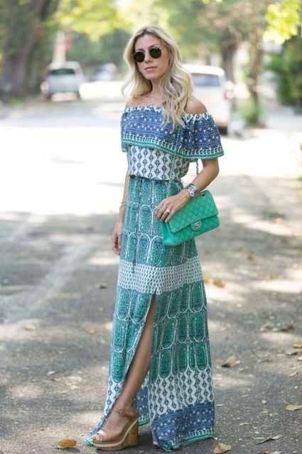 vestido longo com sandália