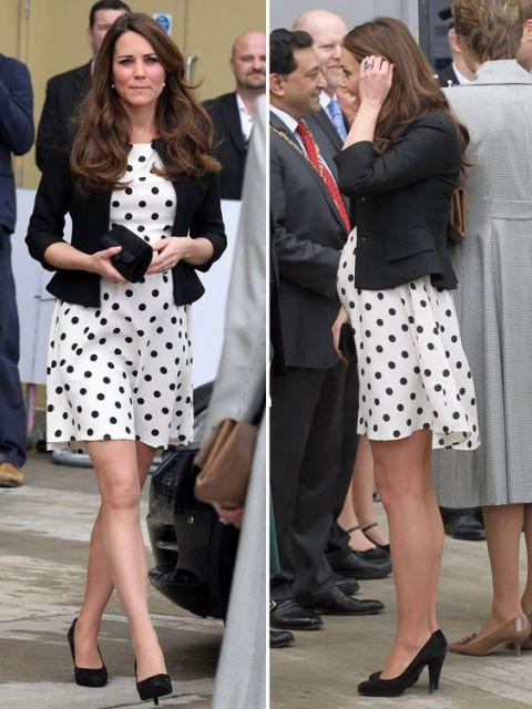 Kate Middleton com vertido poá.