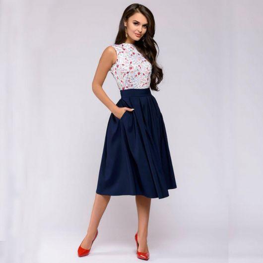 looks elegantes com saia midi e blusa de renda