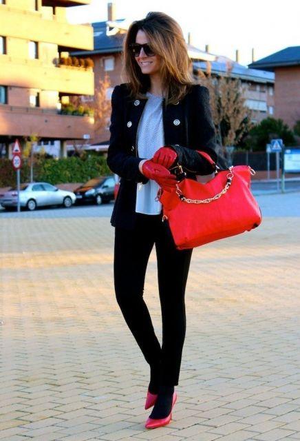 looks elegantes com casaco e calça preta